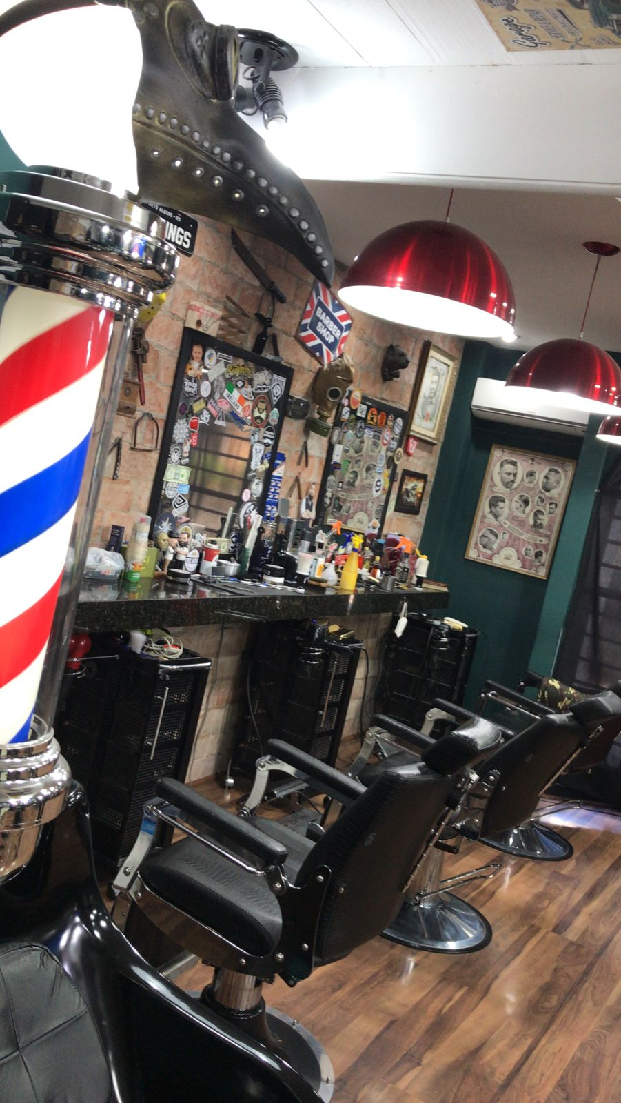 Interior da The Kings Barber Shop